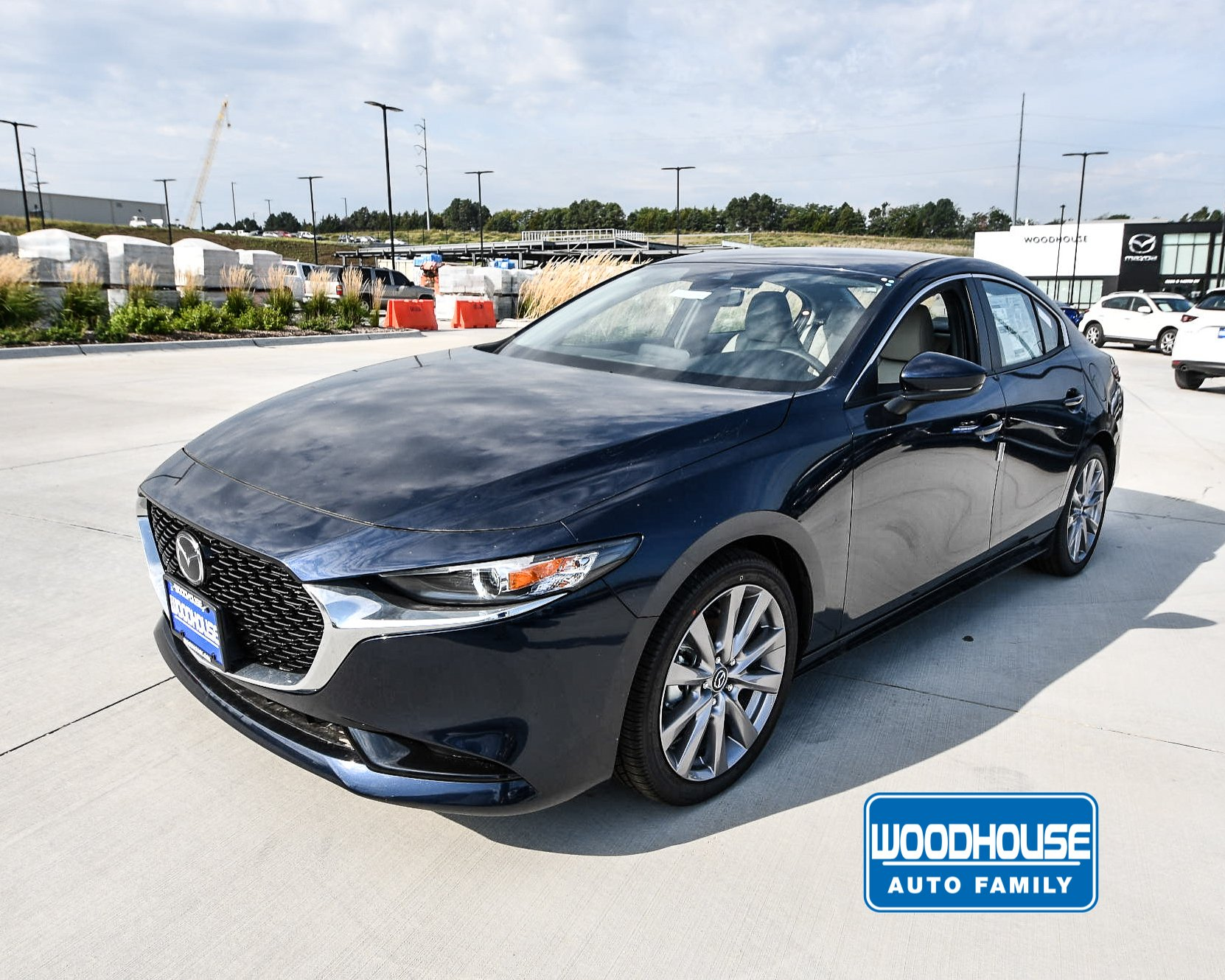 New 2019 Mazda3 Sedan w/Preferred Pkg With Navigation