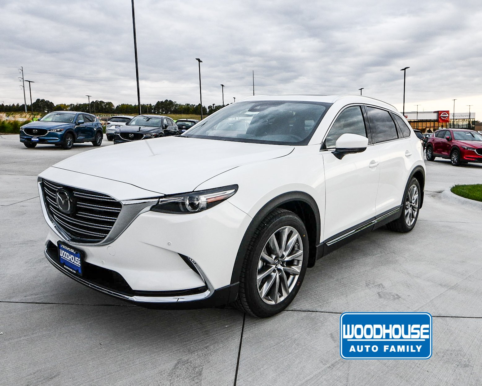 New 2019 Mazda CX-9 Signature With Navigation & AWD